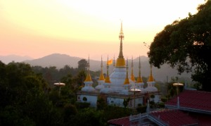 La Oob temple - sunset
